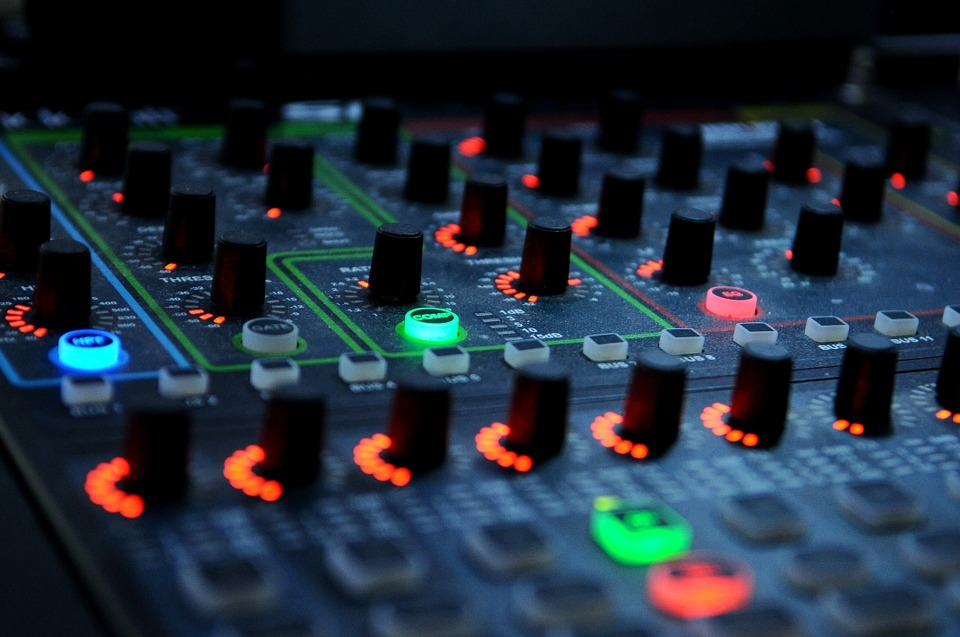 What to Consider When Buying a Karaoke Mixer